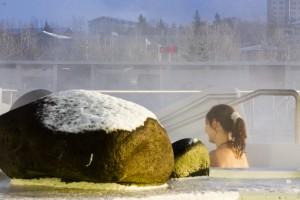 Die Freibäder sind gerade im Winter sehr beliebt. Hier kann man sich so richtig von innen heraus aufwärmen. ©Sabine Burger, Alexander Schwarz, Island - Iceland 2009 01