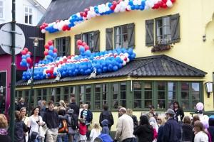 Am Nationalfeiertag, dem 17. Juni, ist in Reykjavík jeder auf den Beinen. ©Sabine Burger, Alexander Schwarz, IMG_1978__2010-06-17_16-35-05_aA