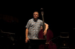 Hot Eskimos, Reykjavik Jazz Festival 2012, Harpa, 1. September, Jón Rafnsson (Kontrabass), ©Sabine Burger, Alexander Schwarz, 2012-09-01__MG_2035_00015