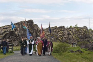 Ankunft der Goden und des Brautpaares in Þingvellir, ©Sabine Burger, Alexander Schwarz, 2011-06-23__MG_1289_00007