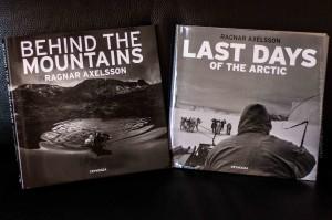 Die beiden zuletzt erschienen, fänomenale Bildbände von Ragnar Axelsson (Rax), ©Sabine Burger, Alexander Schwarz, 2013-08-26__MG_1395_00026
