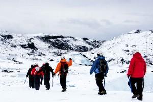 Gletscherwanderung sollte man schon alleine als lebensrettende Maßnahme immer(!) nur mit spezialisteren Guides unternehmen. ©Sabine Burger, Alexander Schwarz, Island - Iceland 2009 02