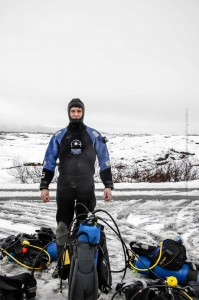 Ganzjahresaktivität: Das Wasser in Þingvellir ist sommers wie winters 2°C, also eh nichts für ,Cocktailtaucher', ©Sabine Burger, Alexander Schwarz, Island - Iceland 2009 02