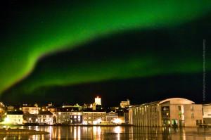 Nordlicht über dem Tjörnin und Rathaus, ©Sabine Burger, Alexander Schwarz, IMG_3285 - Arbeitskopie 2__2010-02-18_00-50-37_aA