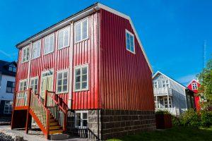 Das restaurierte Gröndalshúsið am neuen Ort. ©Sabine Burger, Alexander Schwarz, 2017-06-25_L1170181_00003